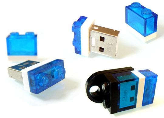 lego-mini-flash-drive