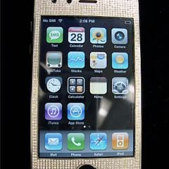 iPhone 3G com 1240 pequenos diamantes