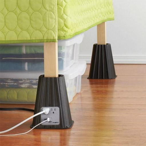 quem mora em apartamento pequeno precisa aproveitar todos os espaos e em baixo da cama um timo lugar para guardar tralhas o problema que geralmente