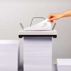 Uma impressora que engole montes de papel!