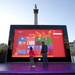 Um Surface 2 gigante nas ruas de Londres!