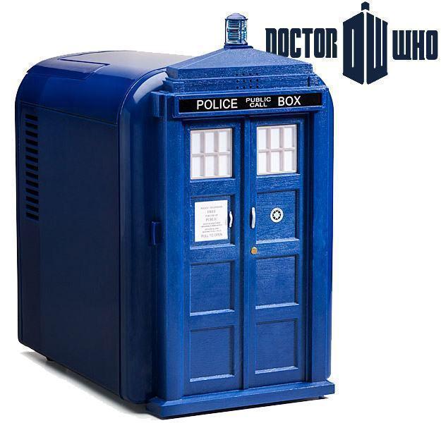 Doctor-Who-TARDIS-Mini-Fridge-Geladeira-01