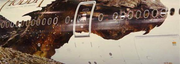 Smaug conquista os ares! Boeing com publicidade do filme O Hobbit – A Desolação de Smaug faz rota entre Auckland e L.A.