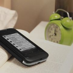 InkCase Plus, um case com tela e-ink para smartphones Android