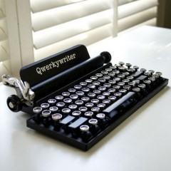 Qwerkywriter, um teclado Bluetooth disfarçado de máquina de escrever!