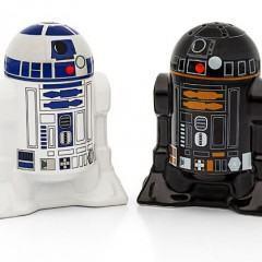 R2-D2 e R2-Q5: Estes não são o saleiro e o pimenteiro que você estava procurando