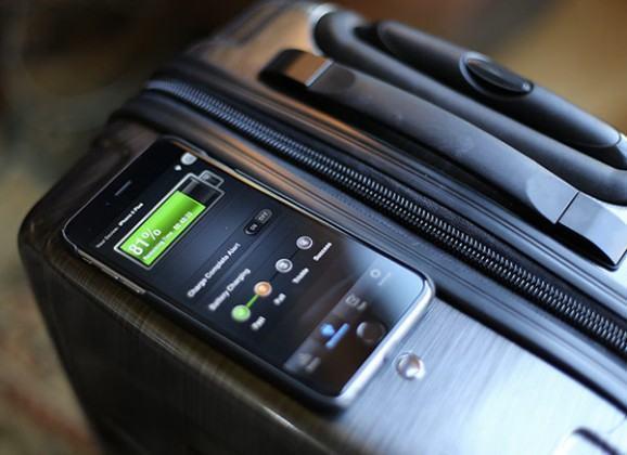 VoltVoyage: uma mala de viagem que recarrega o seu smartphone!