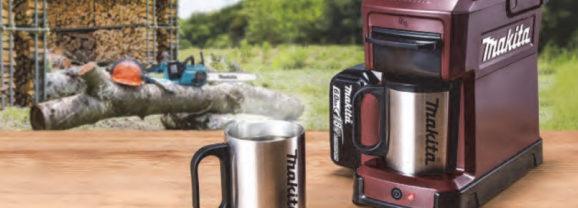 Cafeteira com bateria da Makita é perfeita pra obras e acampamentos!