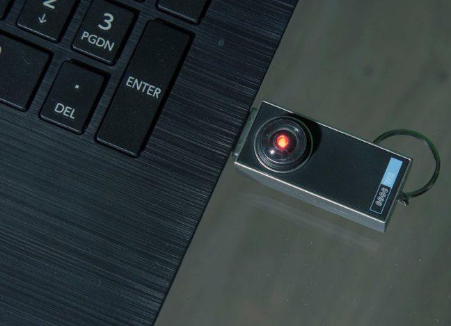 Flash drive USB com réplica do robô HAL 9000 de 2001, Uma Odisséia no Espaço