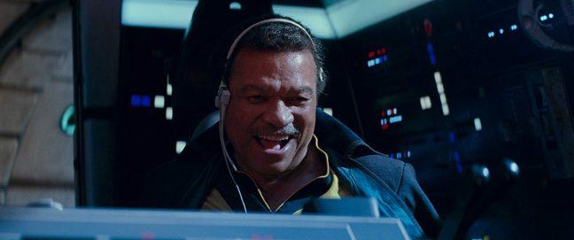 Lando de volta ao cockpit da Millennium Falcon