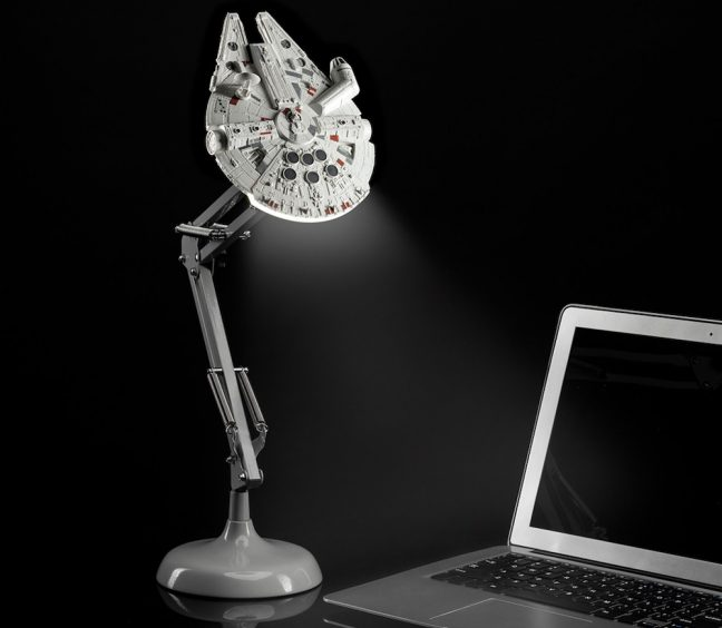 Luminária Millennium Falcon