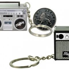 Micro Caixas de Som em Forma de Boombox e Guitar Amp!