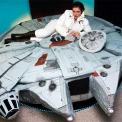 Cama no formato da Millennium Falcon!