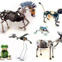 Esculturas Robóticas de Animais feitas com Componentes Eletrônicos