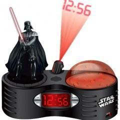 Um Relógio do Darth Vader que Projeta as Horas na sua Parede!