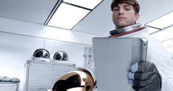 Lenovo contrata Ashton Kutcher como engenheiro de produto, e isto é mais do que uma simples jogada de marketing