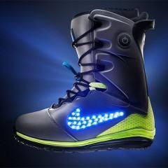 LunarEndor, bota para snowboard com luzes LED da Nike