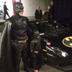 Miles vive dia de herói, enquanto San Francisco vive dia de Gotham City!