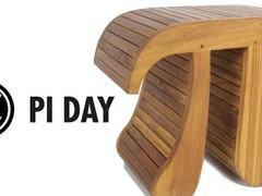 Dia do Pi: Banquinho Pi Teak Stool