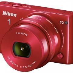 Nikon 1 S2 mirrorless com lentes intercambiáveis é a câmera mais rápida do Leste