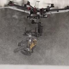 Um drone com uma motosserra: o que poderia dar errado?