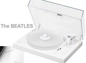 Toca-Discos Branco em Homenagem ao The White Album (O Álbum Branco) dos Beatles